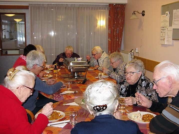 Beroemd Elim Drenthe - Activiteiten voor ouderen verbinden &KB54